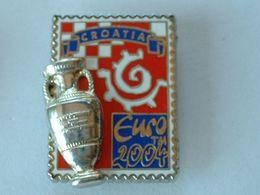 Pin's FOOTBALL - EURO 2004 - CROATIE - COUPE EN 2éme MOULE - Fútbol