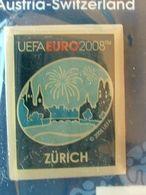 Pin's FOOTBALL - EURO 2008 - ZÜRICH - NEUF SOUS BLISTER - FEU D'ARTIFICE - Fútbol