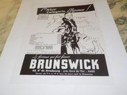 ANCIENNE PUBLICITE CATEGORIE ELEGANCE FOURRURE BRUNSWICK 1955 - Other