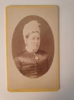 Cdv Ancienne Années 1800 Portrait D Une Femme. Photographe W. SMITH. LEEDS ANGLETERRE - Alte (vor 1900)