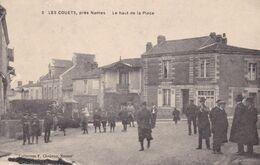 44-LES COUETS LE HAUT DE LA PLACE PETITE DECHIRURE EN HAUT - Francia
