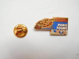 Beau Pin's En Zamac , Cyclisme Vélo , Paris - Tours , Média Journal La Nouvelle République , Loto , Signé Starpin's - Ciclismo