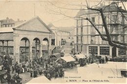 BOEN-sur-LIGNON   -   Marché Place De L'Hôtel De Ville  - Belle Animation - - Other Municipalities