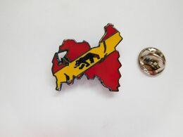 Superbe Pin's En EGF , Ours De Berlin ??  , Germany ?? - Cities