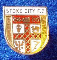 STOKE CITY , ENGLAND FOOTBALL CLUB , ENAMELED PIN BADGE - Fútbol