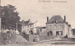 44-LE CELLIER RUE PRINCIPALE - Francia