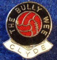 CLYDE, SCOTTISH FOOTBALL CLUB , ENAMELED PIN BADGE - Fútbol