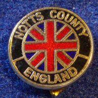 NOTTS COUNTY , ENGLAND FOOTBALL CLUB , ENAMELED  PIN BADGE - Fútbol