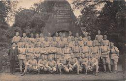 ALLEMAGNE - COBLENCE - Carte Photo - Soldats Devant Le Monument Du Général Marceau De L'Armée De Sambre Et Meuse - Allemagne