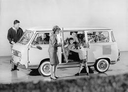 """010910 """"FIAT 600 FAMILIARE - FOTO IN B/N SU CARTA LUCIDA ANNI '60 XX SECOLO"""" ANIMATA - Automobiles"""