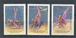 271 - OUZBEKISTAN 2009 - Yvert 740/42 - Cirque Ecuyere Cheval - Neuf **(MNH) Sans Trace De Charniere - Uzbekistán