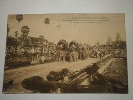 Cambodge, Ruines D'Angkor Vat. Procession En L'honneur De M. Le Maréchal Joffre (9075) - Kambodscha