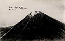 ! Alte Fotokarte, Vulkan, Volcano, Volcan Momotombo En El Lago De Managua,  Nicaragua, Photo - Nicaragua