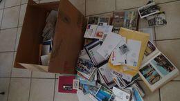 G120 Carton 27 Kgs De Plusieurs Centaines De Cartes Postales, Courrier Dont Europa, Aviation .....Voir Commentaires !!! - Lots & Kiloware (mixtures) - Min. 1000 Stamps