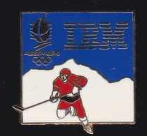 66362- Pin's.International Business Machines Corporation. IBM.Informatique.Jeux Olympiques.Albertville.Hockey. - Informatique
