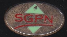 66364- Pin's.SGPN Industrie à Neuilly Sur Marne Sociétés De Routage.signé Ballard Et Doré à L'or Fin - Cities