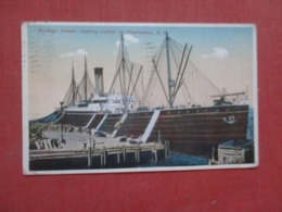 Foreign Vessel Loading Cotton - South Carolina > Charleston >    Ref 4282 - Charleston