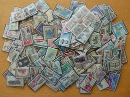 MONACO Plus De 500 Timbres + Des Carnets Et Des Blocs Neufs Sans Charnières - Collections, Lots & Series
