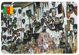 1 AK Kamerun / Cameroun * Kunsthandwerk, Masken Und Figuren - Ein Shop In Der Hauptstadt Yaoundé * - Cameroun