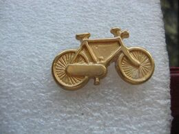 Pin's Doré D'un Vélo Classique - Ciclismo