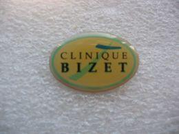 Pin's De La Clinique BIZET à PARIS - Militair & Leger