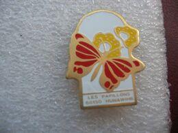 Pin's Des Jardins De Papillons à Hunawihr En Alsace (Dépt 68) - Dieren