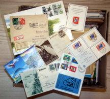 Über 700 Sammlerbelege Im Karton - Alla Rinfusa (max 999 Francobolli)
