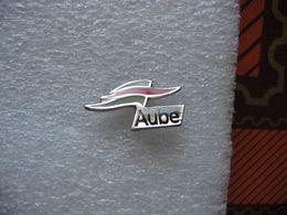 Pin's Emblème De La Région De L'AUBE - Cities