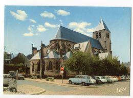 CPM  BOURGES Eglise ST Pierre ( Anciennes Voitures  4L DS ... ) - Bourges