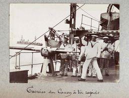 Photographie Circa 1900 Marins En Exercice Du Canon à Tir Rapide Sur La Foudre Croiseur Porte Torpilleurs & Sous Marins - Barcos