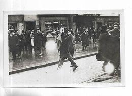 75 - PARIS - OBSEQUES De GASTON CALMETTE ( Vendredi 20 Mars 1914 ) Avenue De Clichy La Police Dégaine - People