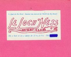 AUTOCOLLANT STICKER.  SAUMUR.  NIGHT  CLUB  LE  LOCH NESS - Stickers