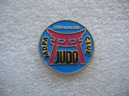 Pin's Du Club De Judo Des MDPA (Mines De Potasse D'Alsace) Basé à STAFFELFELDEN (Dépt 68) - Judo