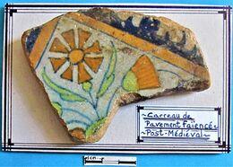 Carreau De Pavement Faïencé. Post Médiéval. - Arqueología