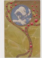 Jolie Carte Fantaisie Gaufrée  / Portrait D'une Petite Fille Dans Un Médaillon - Portraits