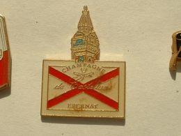 Pin's CHAMPAGNE DE CASTELANE - Beverages