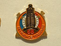 Pin's MILITAIRE - 68E RÉGIMENT D'ARTILLERIE D'AFRIQUE - Militair & Leger