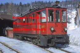 Reproduction D'unePhotographie D'une Vue Rapprochée D'un Train NStCM à Saint-Cergue En Suisse En 1968 - Photographie