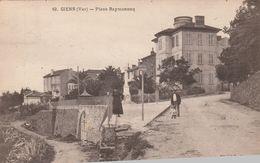 (VAR) GIENS Place Raymonenq - Autres Communes