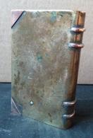 Briquet à Essence - Livre, Fabrication Avec Un Morceau D'obus Dans Les Tranchées - Feuerzeuge