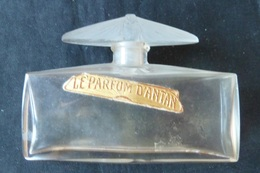 «Parfum D'Antan» D'Orsay, Lalique, Bouchon Figurant Un Papillon De Nuit Aux Ailes Déployées ( Vide) - Flesjes (leeg)