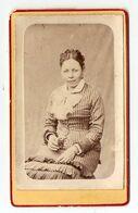 FOTO PHOTO CDV 19 ème SIECLE - FEMME INDIGENE  ETHNIE FOLFLORE CIVILISATION - FOLFLORE ETHNIC WOMAN 19 Th CENTURY - Ethniques, Cultures