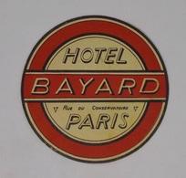 Cx13 CC7) France HOTEL BAYARD Paris  Etiquette Hotel Labell Diam. 8,5cm - Etiketten Van Hotels