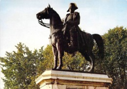 77 - Montereau - Statue De Napoléon - Montereau