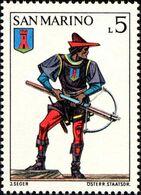 San Marino 1973 Scott 819 Sello ** Soldado Ballesteros Ballestero Y Escudo De Serravalle Uniforms Crossbow Tournament - San Marino