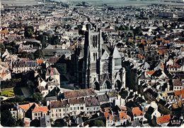 77 - Meaux - La Façade De La Cathédrale Saint Etienne (XIIe Et XIIIe Siècles) Et Le Palais épiscopal (XIIe Et XVIe) - Meaux