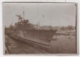 Photo Originale Bateau Port De Saint Nazaire 1924 à Identifier Travaux Carénage ? - Bateaux