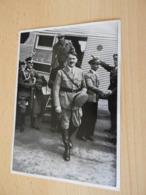 "Sammelbild Nr.1 Aus Dem Album ""Adolf Hitler."" - Documents"