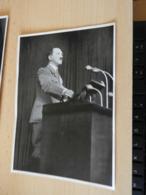 "Sammelbild Nr.34 Aus Dem Album ""Adolf Hitler."" - Documents"