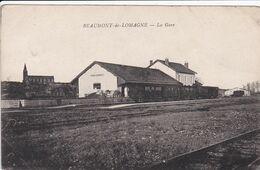 82 BEAUMONT De LOMAGNE La Gare ,train à Quai - Beaumont De Lomagne